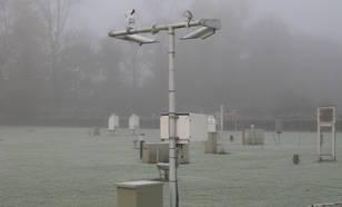 Zichtmeter op het KNMI-waarneemterrein