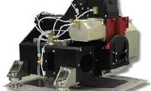 Figuur I2-1: Het optische gedeelte van het OMI instrument. Het OMI instrument bestaat uit drie delen. Het optische gedeelte (van Nederlandse makelij) zoals hiernaast afgebeeld vormt het hart van het instrument; de optische spectrometer bemeet de Aarde met