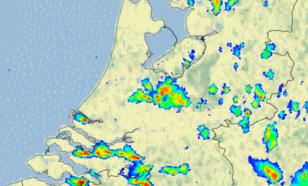 Figuur 3: Beeld van de neerslagradars van het KNMI om 16.00 uur LT (14.00 uur UT)