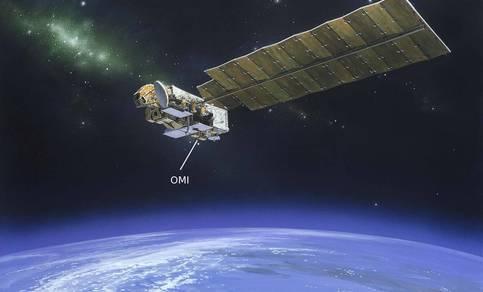 Figuur 1: Een artist impression van de satelliet die OMI draagt in een baan om de aarde. Je ziet duidelijk het grote zonnepaneel dat de energievoorziening verzorgt. Het OMI-instrument bestaat uit de twee kleine doosjes die onder de satelliet hangen.