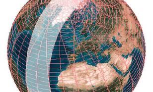 Figuur I2-2: De dagelijkse wereldwijde bedekking door OMI geprojecteerd op de aarde. De NASA satelliet genaamd EOS-Aura waarop OMI meelift draait in een baan om de Aarde welke altijd over de polen voert. Aan de dagkant van de Aarde loopt deze baan van zui