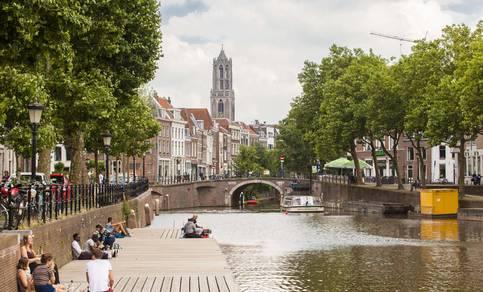 Foto van de stad Utrecht met de Dom op de achtergrond