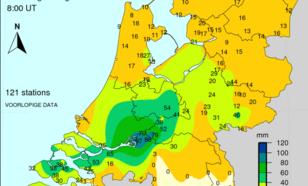 Radarbeeld (bewerkt) van 22.20 uur (MEZT). De groene kleuren duiden op de aanwezigheid van hagel.