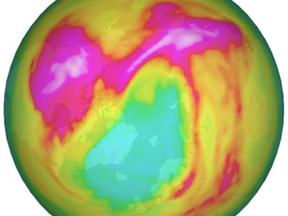 Ozongat boven de Noordpool 2020