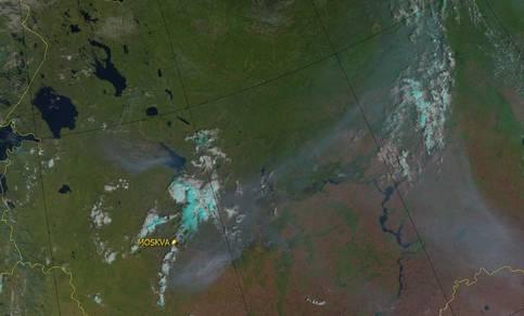 De rook in Rusland in 2010 zoals de Metop-A satelliet van EUMETSAT die ziet