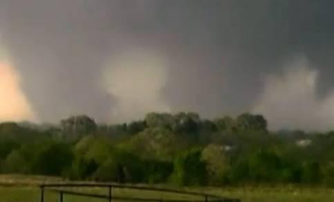 Verschillende tornado's tegelijk zichtbaar (Bron: VWK)