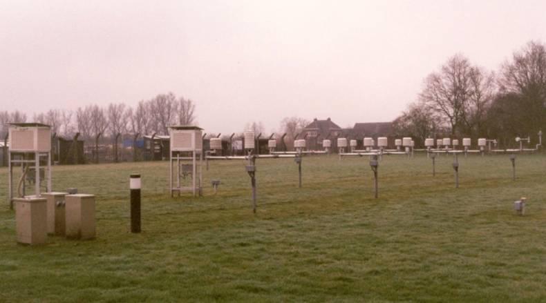 Thermometerhutten op het KNMI-terrein in De Bilt waarin continu de temperatuur wordt gemeten