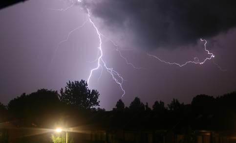 Bliksem en onweer in de nacht van 3 op 4 juli 2007