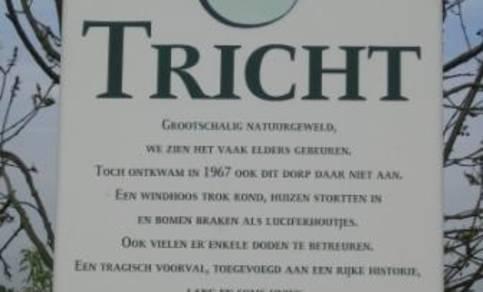 Herdenkingsbord bij Tricht