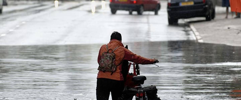 Wolkbreuken leiden lokaal tot wateroverlast in Enschede