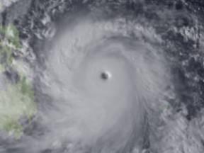 Satellietbeeld van ttyfoon Haiyan, Filipijnen 2013