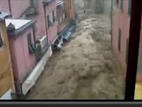 Moddertsunami toeristische kust Cinque Terre, 25 oktober 2011 (Bron: DeMorgen.be)