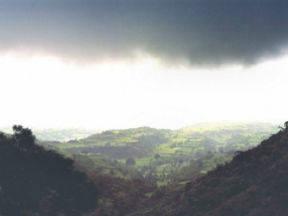 Moesson in Vindhya, een bergketen in India (bron: Wikipedia)
