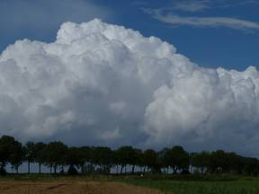 Intensieve buien in polaire lucht in augustus 2011 (Bron: Jannes Wiersema)