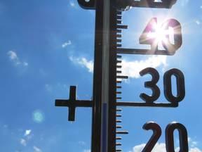 Thermometer geeft 30 graden aan (Bron: Jannes Wiersema)