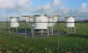 Wind profiler system. Radar system measuring winds between 200 en 4000 m.