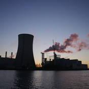 Om te koelen, gebruiken energiecentrales oppervlaktewater.