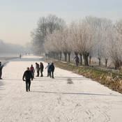 Een dichtgevroren sloot is nog geen Elfstedentocht. De kans op de tocht der tochten neemt drastisch af in de klimaatscenario's.