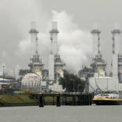 Een calamiteit in chemische industrie tast de luchtkwaliteit aan.