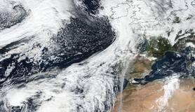 satellietbeeld met orkaan theta