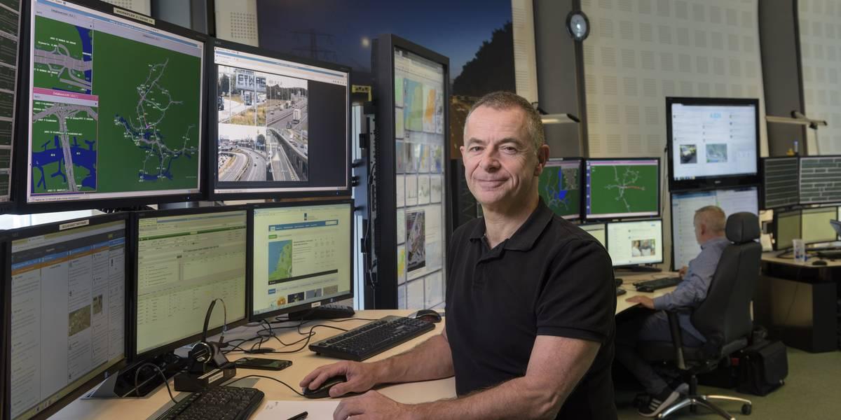 John aarden, landelijk wegverkeersleider van Verkeerscentrum Nederland