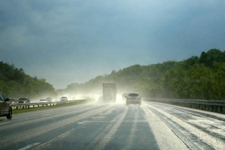 Regen op de weg