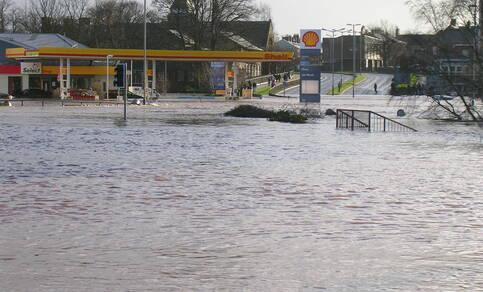 Volgens alle berekeningen is de kans op extreme neerslag zoals begin december in Noord-Engeland en Schotland met 50 procent toegenomen. © jlcampbell104 Flickr