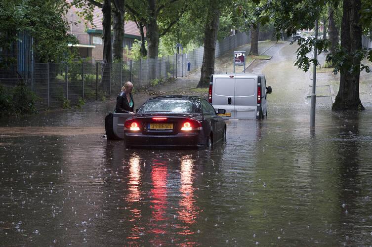 Extreme regenval in juli 2014 ©KNMI