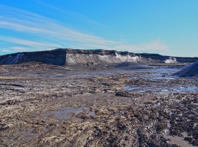 Ontdooiende permafrost in het Arctische gebied (bron: Photopin).