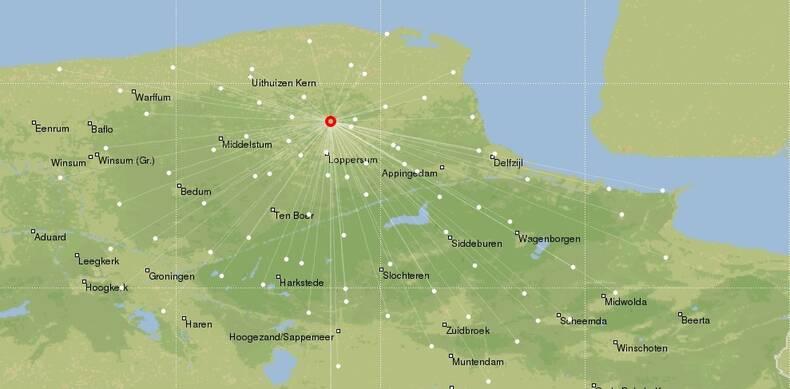 Kaart van Groningen waarop de locatie van de aarbeving en meetstations zichtbaar is