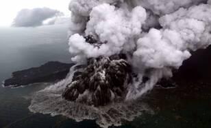 Uitbarsting van vulkaan Anak Krakatau op 23 december 2018
