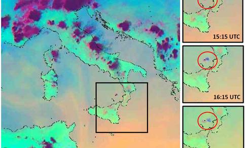 Satellietbeelden van de vulkaanuitbarsting  op 3 juli 2019,