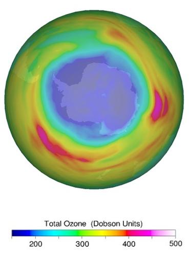 ozongat boven de Zuidpool op 14 september 2021