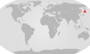Kaart met locatie van de Raikoke vulkaan.