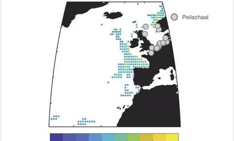 Correlatie tussen zeespiegelvariaties diepe oceaan en aan de kust