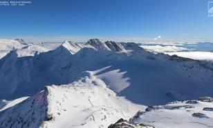 Figuur 3: Goldbergkees op 16 november. De gletsjer ligt weer beschermd onder een laag sneeuw. Bron: www.foto-webcam.eu.