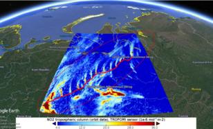 TROPOMI NO2 kolommen op 8 april 2018. De wind komt uit het zuiden. De rode lijn is de route van de gaspijpleiding gebaseerd op het met de hand traceren van de pijpleiding in Google Earth foto's.