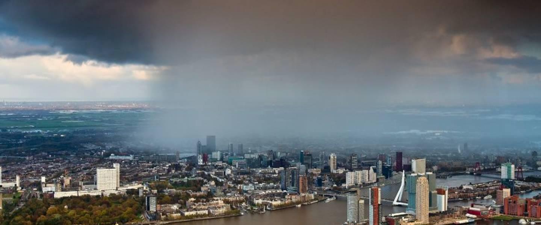 Bui boven Rotterdam